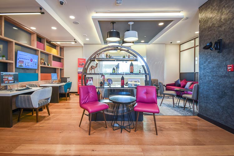 Lobby seating with free WiFi for guests staying at budget hotel in Dubai Al Jaddaf
