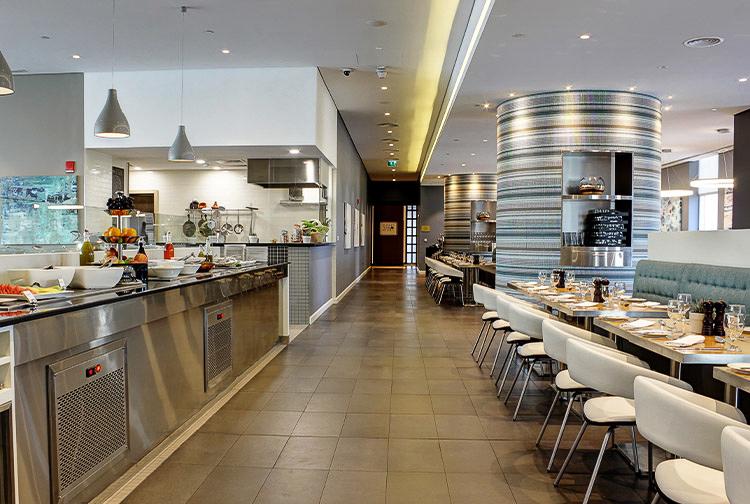 Buffet service at Nuevo restaurant in Premier Inn Ibn Battuta Mall